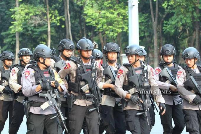 Các vòng an ninh được thiết lập ở ngoài sân Bung Karno.
