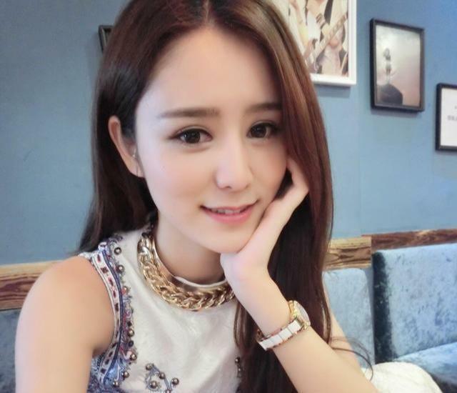 Trương Hinh Nguyệt xinh đẹp, được lòng nhà chồng tương lai.