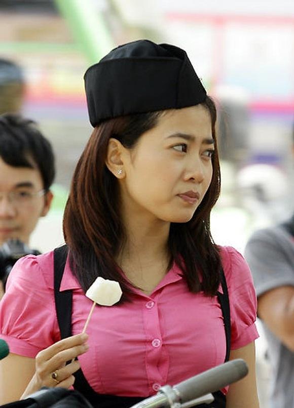 Mai Phương đóng nữ sinh 17 tuổi trong phim Những thiên thần áo trắng khi đã 23-24.