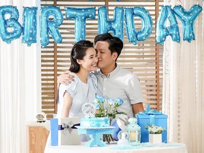 Vợ chồng Nhã Phương - Trường Giang đóng chung một quảng cáo sau ngày cưới.
