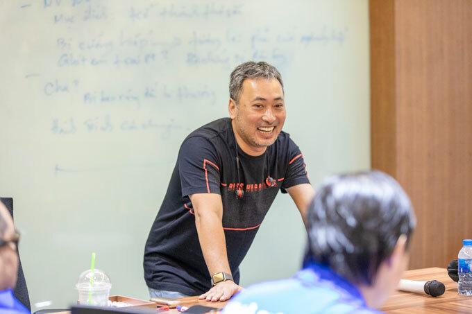 Đạo diễn Nguyễn Quang Dũng trong buổi học Master Class về phim thương mại.