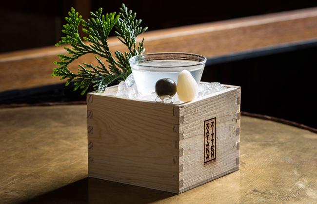 Sake có thể uống nóng hoặc lạnh.
