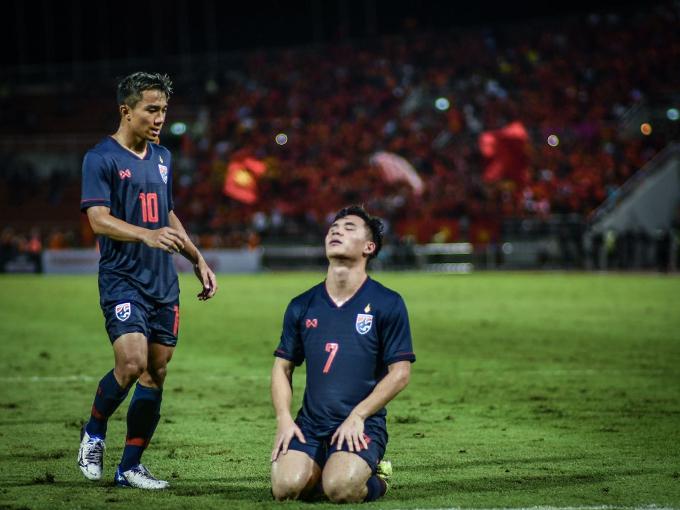 Cầu thủ Thái Lan thất vọng sau trận hoà Việt Nam. Ảnh: Siam Sport.