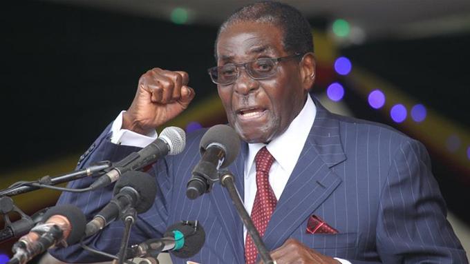 Ông Mugabe phát biểu hồitháng 11/2017, chỉ một thời gian ngắn trước khi bị lật đổ. Ảnh: Jekesai Njikizana.