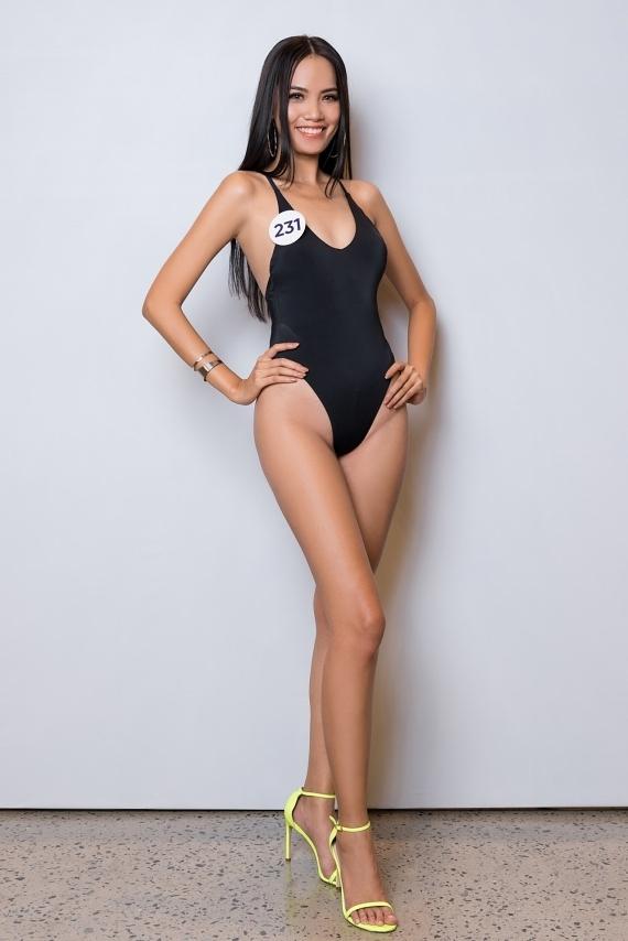 Lê Hoàng Phương đến từ Cam Ranh, Khánh Hoà và sở hữu chiều cao ấn tượng 1,77m. Dù là gương mặt lần đầu thi hoa hậu, cô thu hút sự chú ý bởi kỹ năng trình diễn tự tin.
