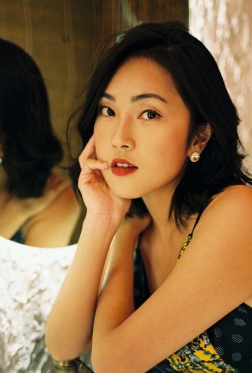 Misoa theo đuổi phong cách thời trang, make-up nữ tính, thanh lịch và quyến rũ.
