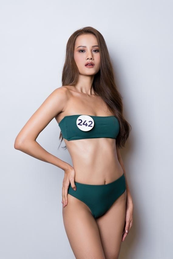 Sau lần rút lui ở năm 2017, Hương Ly - quán quân Next Top Model 2015 - quyết tâm hơn trong lần trở lại dự thi này.
