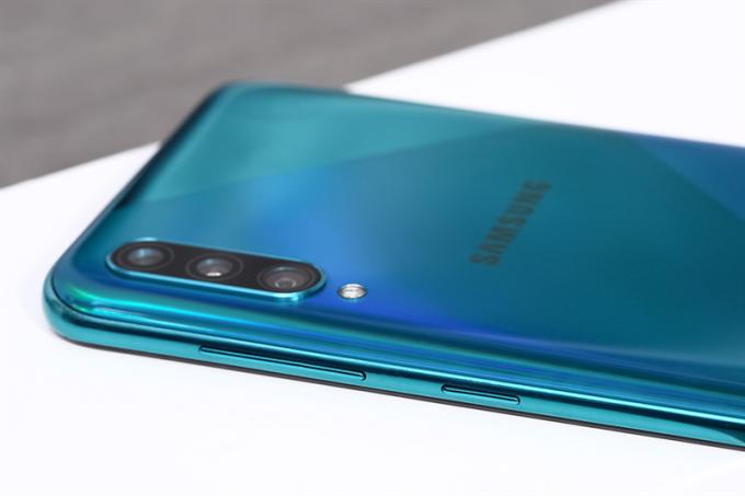 Galaxy A50s cho chất lượng hình sắc nét với camera sau 48 MP.