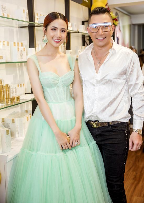 Người mẫu Nam Phong là đồng nghiệp thân thiết của Phan Thị Mơ.