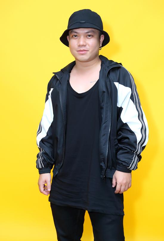 Nhà thiết kế Hà Nhật Tiến.