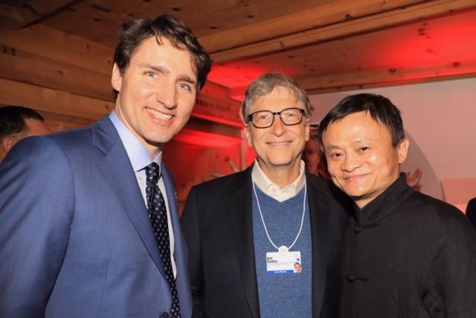 Jack Ma (phải) chụp hình cùng tỷ phú Bill Gates (giữa) và thủ tưởng Canada Justin Trudeau. Ảnh: Instagram Bill Gates.