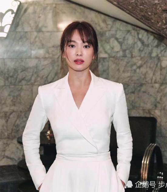 Song Hye Kyo ổn sau ly hôn - 2