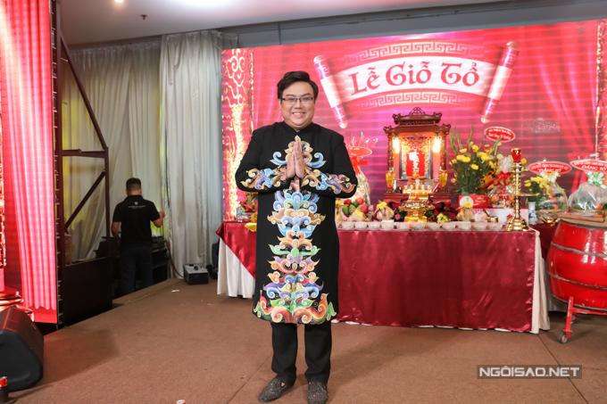 Gi Bảo đứng rtổ chức Lễ Giỗ Tổ nghềkết hợp biểu diễn văn nghệ tại TP HCM.