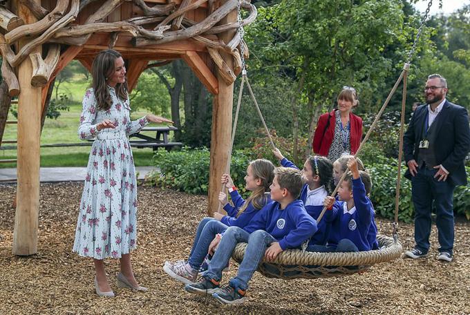 Back to Nature là một trong số các khu vườn do Kate hợp tác thiết kế với mục đích đề cao sự quan trọng của hoạt động vui chơi ngoài trời đối với sự phát triển của trẻ, đồng thời khuyến khích các gia đình thường xuyên cho trẻ ra ngoài, giao lưu với thiên nhiên.