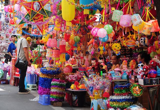Đồ Trung thu truyền thống ở phố Hàng Mã
