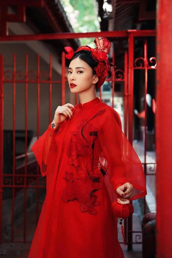 Bài viết khen ngợi nhan sắc, thần thái của Ngô Thanh Vân ở tuổi 40.