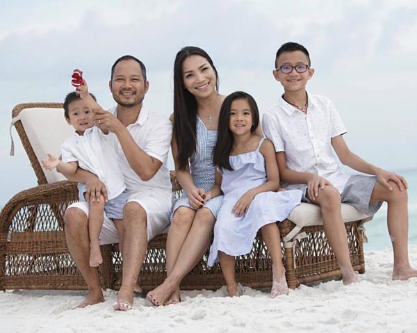 Gia đình hạnh phúc của Hồng Ngọc tại Mỹ.