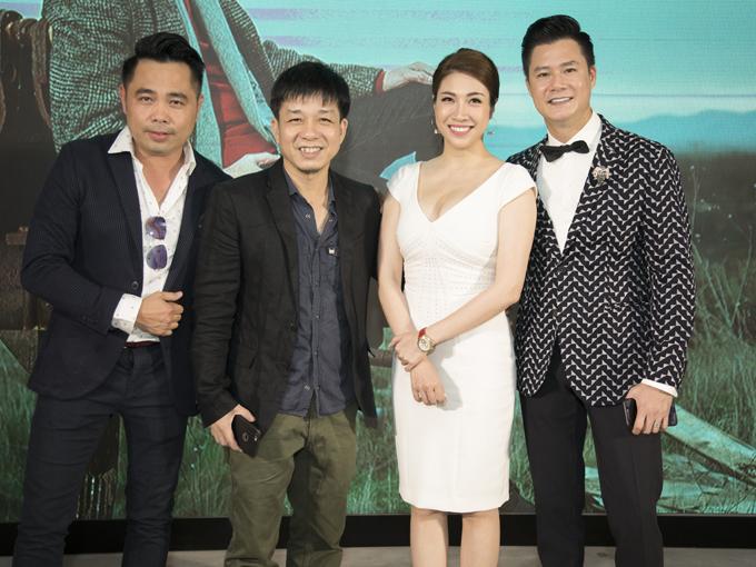 Từ trái qua: nhiếp ảnh gia Huy Khiêm, đạo diễn Đoàn Minh Tuấn, ca sĩ Pha Lê hội ngộ ở sự kiện chiều 10/9.