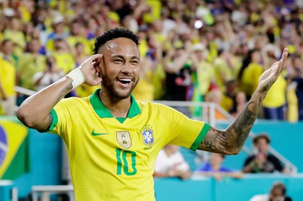 Ồn ào tình ái của Neymar tưởng chứng kết thúc cuối tháng 7 khi anh được chứng minh trong sạch