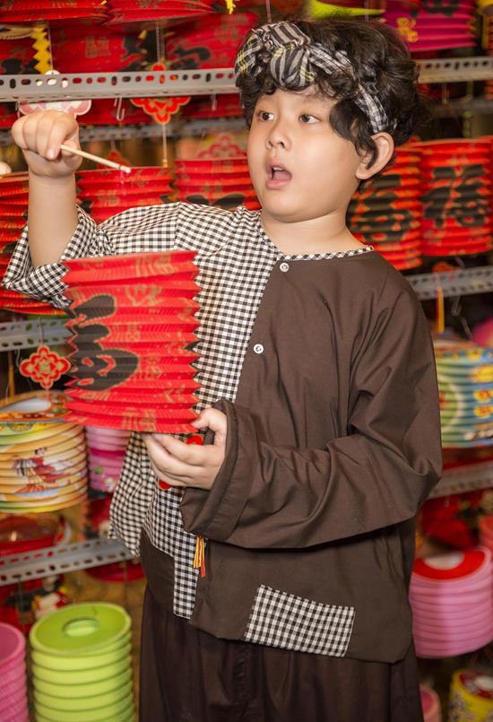 Dù bố mẹ ly hôn, Sushi vẫn được quan tâm, chăm sóc đầy đủ. Tim và Trương Quỳnh Anh luôn bàn bạc để thống nhất cách nuôi dạy con, cho bé một tuổi thơ hạnh phúc, đủ đầy tình yêu thương của cha mẹ.