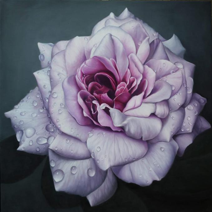 Từ tác phẩm ấy và niềm đam mê bất tận với hoa hồng, anh Tuân quyết định chuyên tâm sáng tác và khai thác vườn hồng như chủ đề chính của các bức vẽ sau này. Các tác phẩm của anh được sự đón nhận từ các nhà sưu tập trong và ngoài nước nhanh chóng sau khi tranh vừa hoàn thiện. Đó là động lực lớn để người họa sĩ Đà Nẵng tiếp tục sáng tác nhiều bức tranh tinh xảo, đường nét chỉn chu hơn.