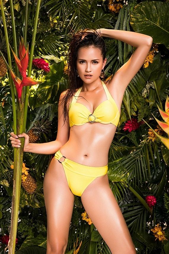 Đại diện Việt Nam thi Hoa hậu Siêu quốc gia - Ngọc Châu sinh năm 1994 và đến từ Tây Ninh. Chỉ số hình thể của cô là 1,76m, 80-60-90cm. Trước đó, cô từng giành ngôi quán quân Vietnams Next Top Model 2016.