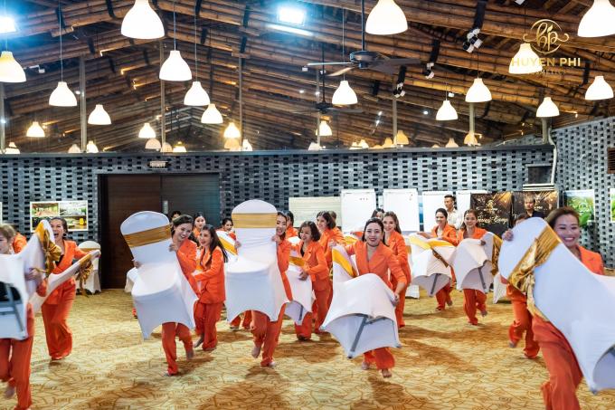 Công ty mỹ phẩm Huyền Phi tổ chức đào tạo nhân viên - 3
