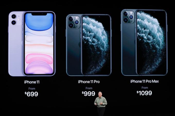 iPhone XI và XI Max được trang bị ba ống kính phía sau trong khi iPhone XIR chỉ dùng camera kép.