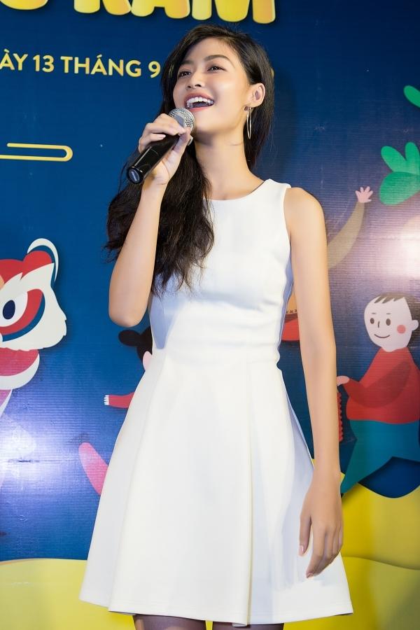 Vốn có năng khiếu nghệ thuật, Á hậu Kiều Loan thể hiện ca khúc Thằng cuội gửi tặng khán giả. Sắp tới, cô cũng mong muốn thể hiện khả năng ca hát ở cuộc thi Hoa hậu Hoà bình Quốc tế 2019.