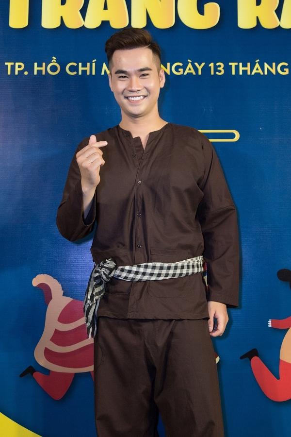 MC Trí Thuận làm chú Cuội dẫn dắt đêm hội.