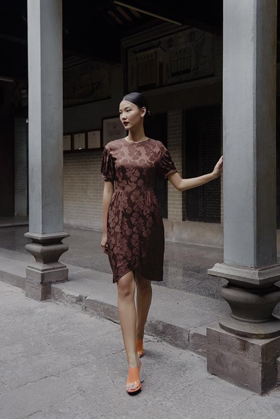 Bộ ảnh được thực hiện với sự hỗ trợ của nhiếp ảnh Katsu Phương, trang điểm Đặng Trí Viễn, người mẫu Rosa Vũ.