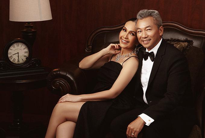 Vợ chồng Diễm My hiện có cuộc sống viên mãn, đủ đầy. Họ sống trong biệt thự rộng 3.000 m2 ở khu nhà giàu tại TP HCM. Hai con gái của nữ diễn viên đang du học ở Mỹ. Cả hai đều thừa hưởng nhan sắc khả ái của mẹ.