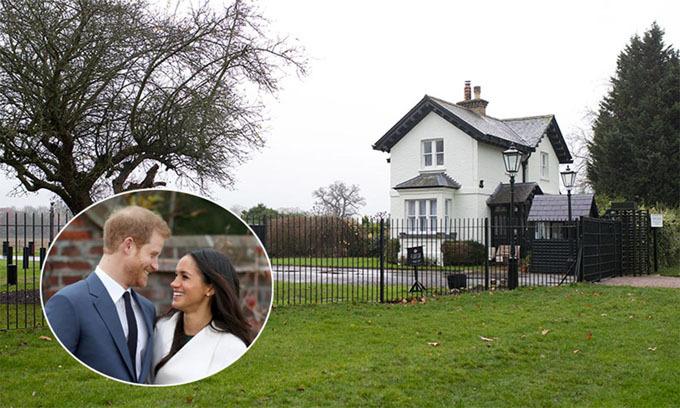 Vợ chồng Harry chuyển đến sống ở tư dinh Frogmore Cottage từ tháng 4 trước khi Meghan sinh con trai. Ảnh: Hello.