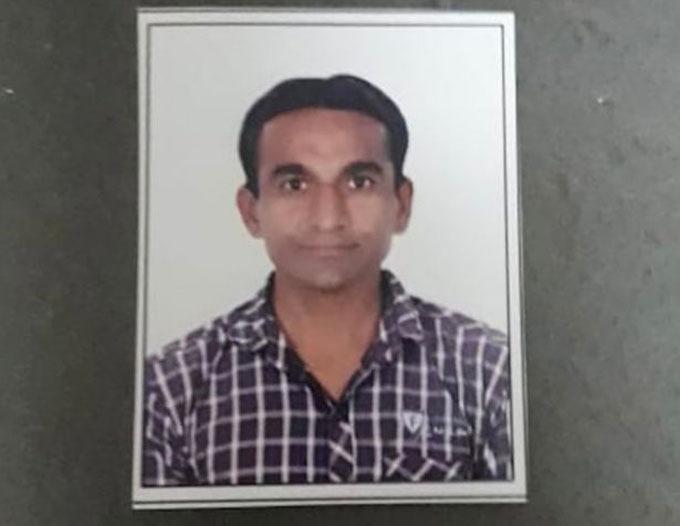 Ông lão thực chất là Jayesh Patel, 32 tuổi. Ảnh: CISF.