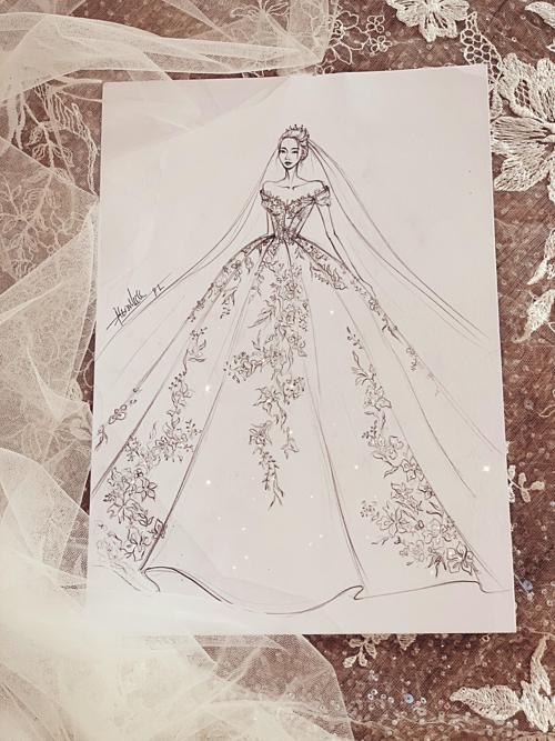 19 năm làm việc trong lĩnh vực cưới, NTK Phương Linh không ít lần nhận được lời đề nghị từ các cô dâu về bộ lễ phục lấy cảm hứng từ hình ảnh của nàng công chúa Lọ Lem. Bởi hầu nhưcô gái nào cũng cóước mơ trở thành nàng công chúa và đám cưới trong quan niệm của nhiều người vẫn là sự kiệnchỉ có một lần nên chiếc váy cưới dáng xòe rộng, nhiều lớp lang luôn được các tân nương để mắt tới, NTK lý giải.