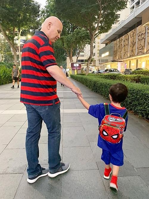 Chồng và con trai Thu Minh.