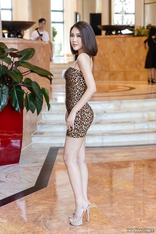 Tường Linh là thí sinh được truyền thông chú ý nhất tại sơ khảo miền Bắc Hoa hậu Hoàn vũ Việt Nam 2019 diễn ra ở Hà Nội sáng 16/9. Cô từng đăng quang Hoa hậu Sắc đẹp châu Á 2019. Người đẹp sinh năm 1994, nặng 47kg, cao 169cm với số đo 3 vòng 84-53-90.