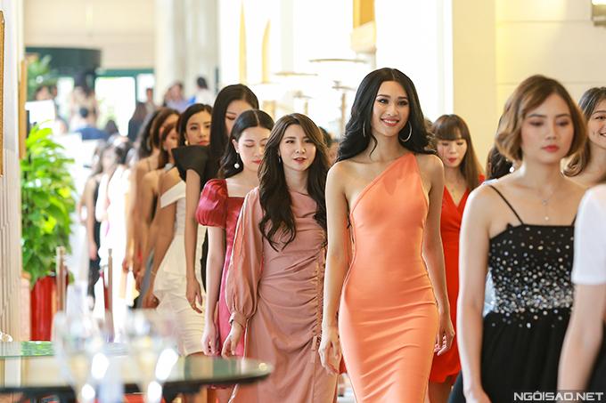 Sơ khảo phía Bắc Hoa hậu Hoàn vũ Việt Nam 2019 diễn ra trong hai ngày. Ngày đầu tiên, các thí sinh đăng ký dự thi và đo nhân trắc học và trả lời phỏng vấn giám khảo ở ngày thứ hai.
