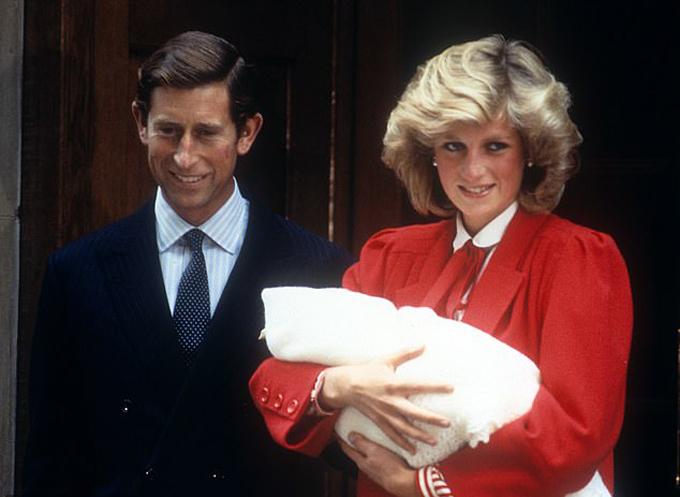 Meghan ca ngợi Harry là người bố tuyệt vời nhất với con trai - 2