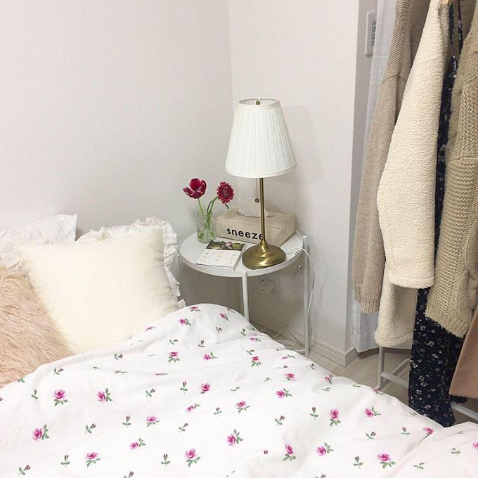 Phòng ngủ của Mai được thay đổi phong cách thường xuyên theo mùa, ở đó cô đặc biệt chú ý tới họa tiết của bộ chăn, ga.