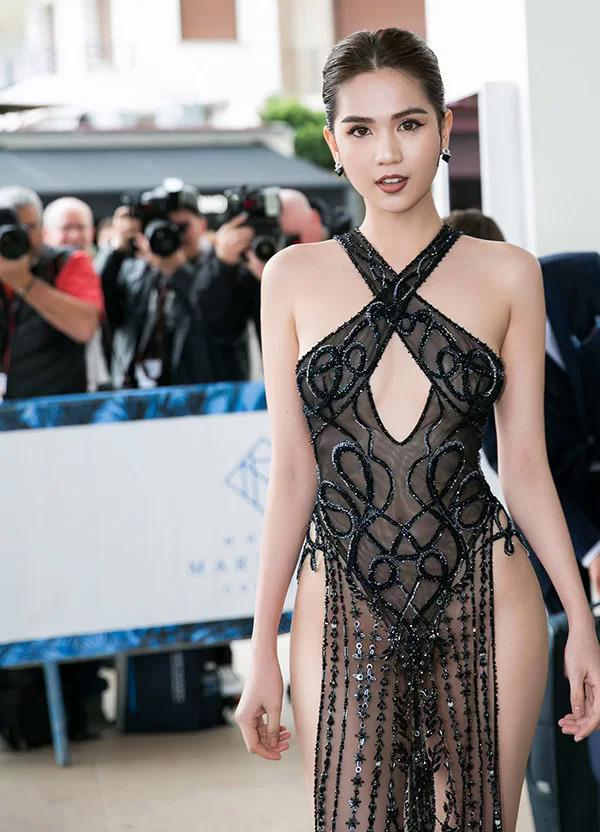 Ngọc Trinh mặc đồ xuyên thấu ở Cannes 2019.