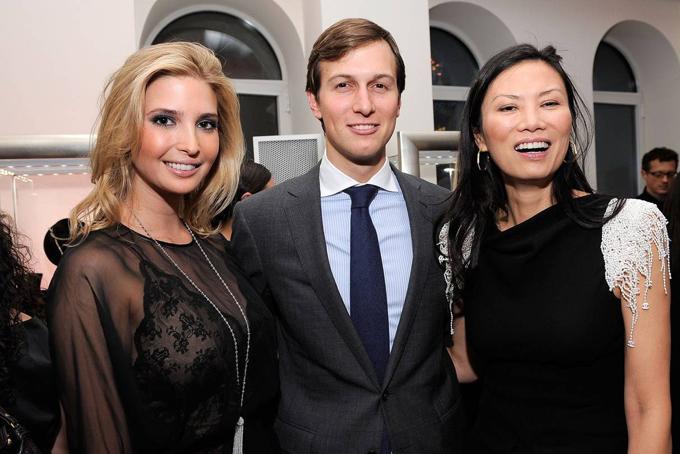 Đặng Văn Địchrất nổi tiếng về kỹ năng hòa giải. Bàtừng giúp Ivanka Trump và Jared Kushner hàn gắn quan hệ sau khi chia tay vào năm 2008. Kể từ khi ly hôn, bà Wendi Đặng Murdoch đã được liên kết với Blair, Tổng thống Nga Vladimir Putin và Eric Schmidt, chủ tịch Google gần đây tuyên bố ông sẽ từ chức.