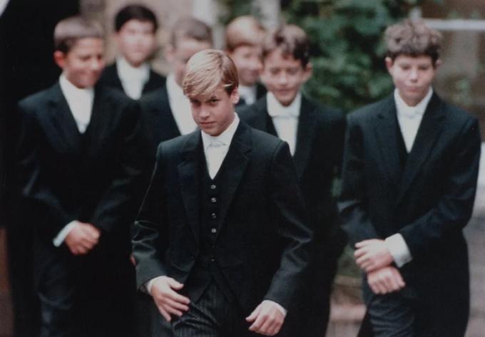 William theo học ở trường Eton hồi 14 tuổi. Ảnh: UK Press.