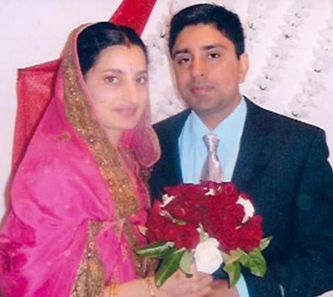 Cặp vợ chồng vào đám cưới năm 2006. Ảnh: Mirror.