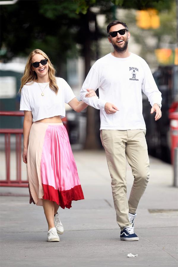 Cặp đôi dạo phố New York cuối tuần qua.