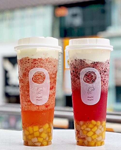 Giá mỗi cốc trà hoa quả tươi là khoảng 380 yen (tương đương 80.000 đồng), các loại trà có kem phô mai từ 480 yen (100.000 đồng), trà phô mai trái cây tươi từ 680 yen (145.000 đồng), chưa bao gồm thuế.