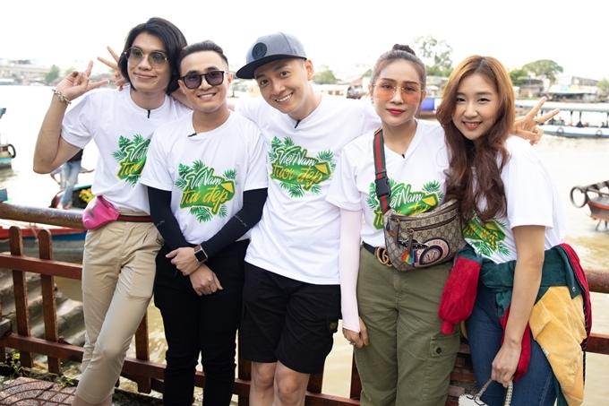 Quang Trung, Huỳnh Lập, Ngô Kiến Huy và Khả Như (từ trái sang) nhận thử thách từ Võ Hoàng Yến.