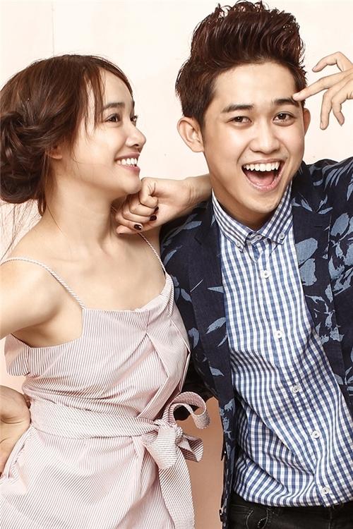 Quốc Bảo từng hợp tác với nhiều tên tuổi lớn trong showbiz, đặc biệt MV Xinh đẹp ơi của anh có sự góp mặt của Nhã Phương.