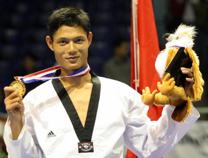 Văn Hùng giữ kỷ lục 5 HC vàng SEA Games liên tiếp.