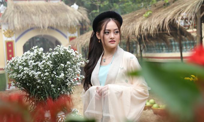 Thùy Anh trong vai nàng tiên Giáng Hương ở tiền kiếp.